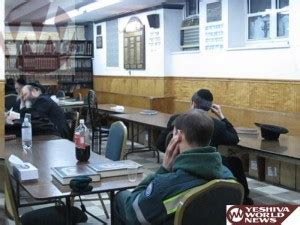 ywn coffee room ywn exclusive photos some sanitation workers study talmud daf yomi as blizzard excuse