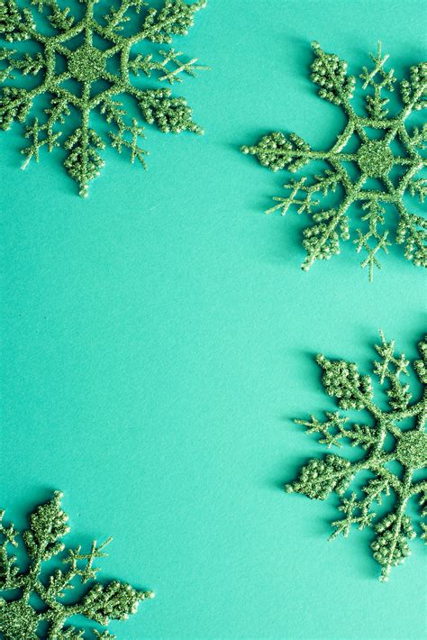 photo  green background  christmas glitter snowflakes  christmas images