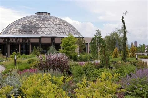 7 Best Things To Do In Des Moines Des Moines Botanical Gardens