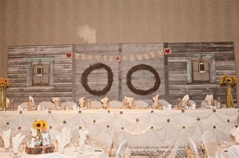 Kijiji: Rustic Barnboard Head table backdrop   More