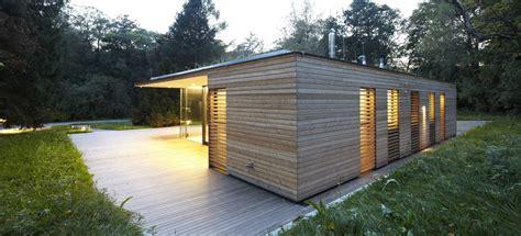 glass haus modern summer retreat in wood and glass haus hainbach