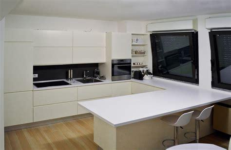 isola centrale per cucina cucine con tavolo estraibile cucina con isola e
