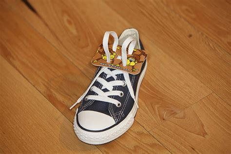 shoe tying for the simple of plastic that teaches to tie their