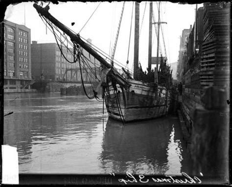 5800 n clark christmas trees chicago the schooner arendal is seen here docked at clark to deliver trees from