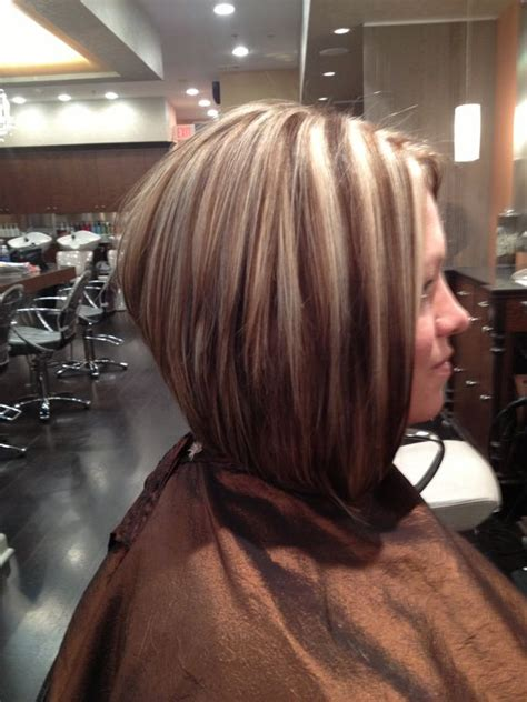 short high stacked haircut stacked bob with high low lights hair pinterest