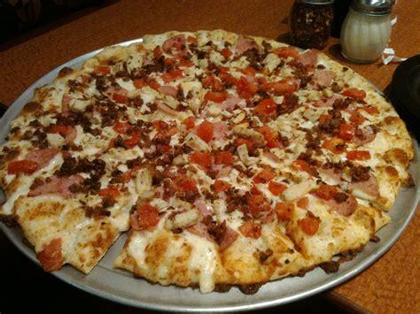 table bacon pizza redonkeylicious pizza by roundtable custom bacon ham