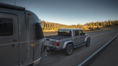 2020 Jeep Gladiator Engine by This Is Why The 2020 Jeep Gladiator Won T Get The Hybrid
