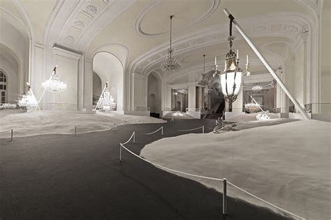 libro behind palace doors vasku klug display preciosa chandeliers behind locked doors of sand