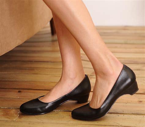 comfortable business shoes for women 5 secrets to find comfortable shoes for businessland of talk