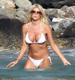 pin victoria silvstedt salmon colored st baarts 3 cake on pinterest