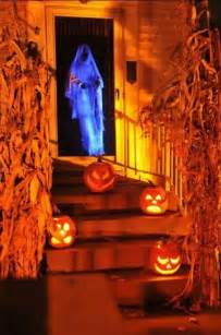 Scary Halloween Decorations To Make 50 Awesome Halloween Decorations To Make This Year
