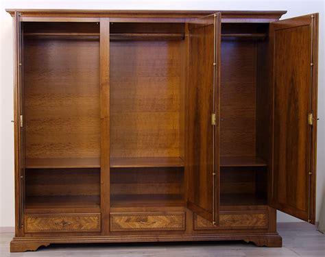 armadio di armadi in legno di noce massello 3 armadi