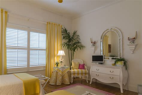 choosing window treatments choosing the right window treatments for your guest bedroom