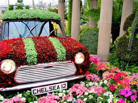 flower shoe the chelsea flower show gardens jet set