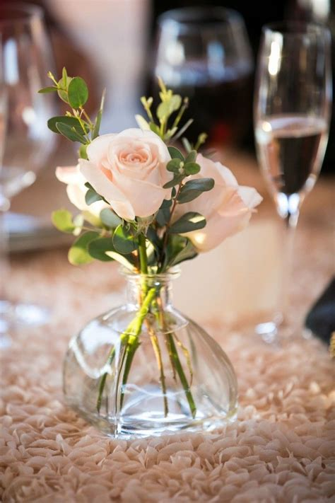 would like to make a small table centerpiece for christmas best 25 small vases ideas on flower jars colourful wedding flowers and bud vases