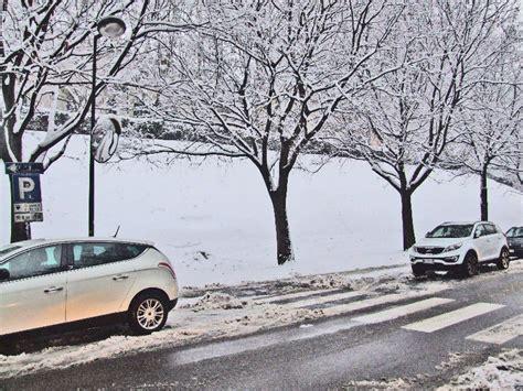 meteo cameri reportage fotografico la neve di oggi a novara galliate