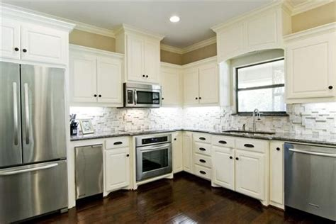 Kitchen Backsplash Ideas White Cabinets | white kitchen cabinets with slate backsplash quicua com