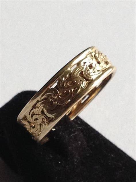 gold ring with pattern catawiki