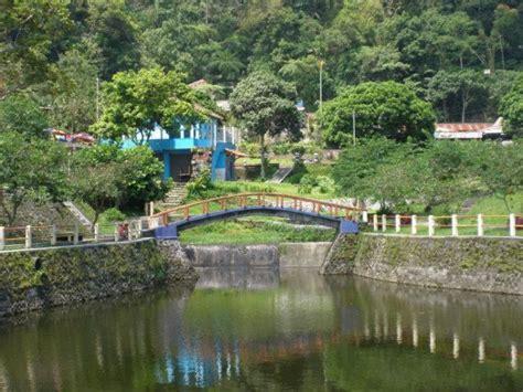 objek wisata tempat peristirahatan noni belanda