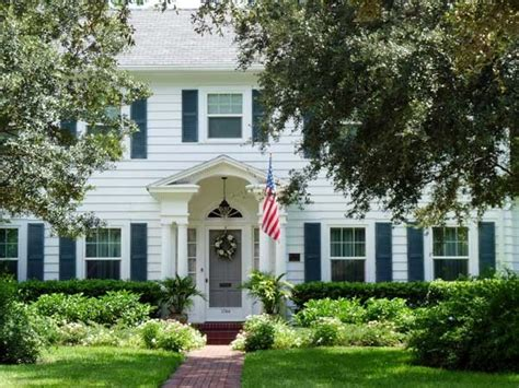 house with white shutters white house with green shutters houses pinterest