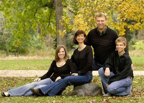 picture ideas for families kids teenage photos on pinterest of posing poses of family