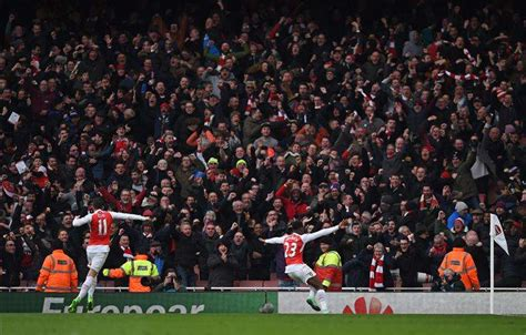 arsenal mania arsenal heroes answer supporter s questions in awesome new