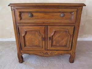 drexel heritage cabernet bedroom set antique appraisal 1073 drexel bedroom set 1950s elm lot 1073