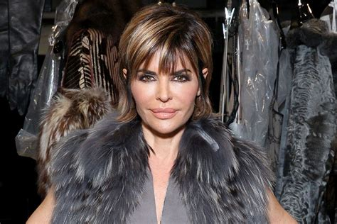 lisa lanelli new haircut lisa rinna s new hairstyle is dramatic video the daily dish