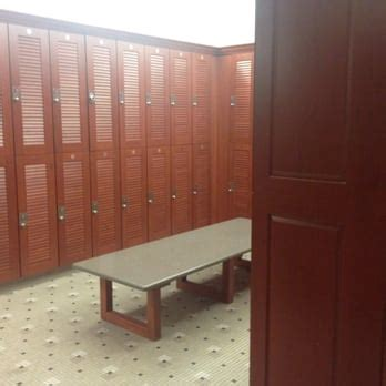 la fitness locker room la fitness 74 photos 92 reviews gyms 2030 york road oakbrook il phone number yelp