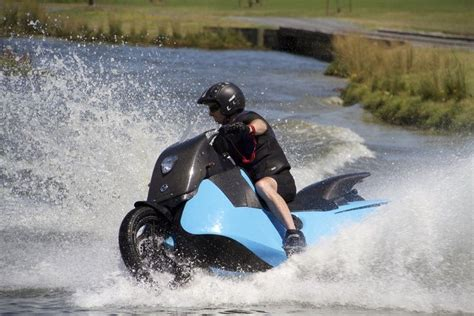 Wasser Motorrad by Biski Hibious Motorcycle