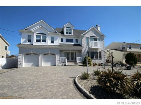 Homes For Sale Toms River Nj by 17 Lagoon Dr Toms River Nj 08753 Home For Sale And