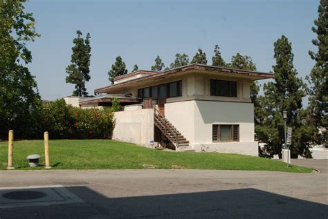photo gallery frank lloyd wright hollyhock house file arts crafts building residence a hollyhock house
