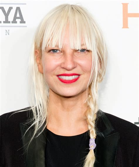 sia chandelier pictures sia purchases l a home filled with chandeliers instyle