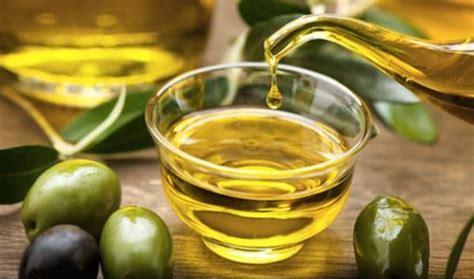 Minyak Kelapa Untuk Wajah 15 manfaat minyak zaitun untuk wajah mediskus