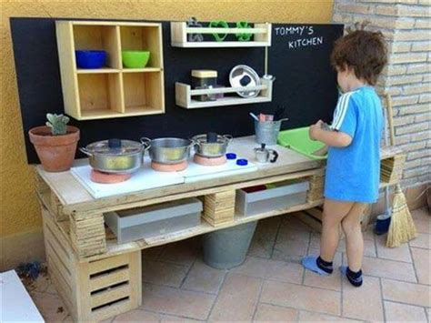 Kids Kitchen Furniture by 30 Diy Furniture Made From Wooden Pallets