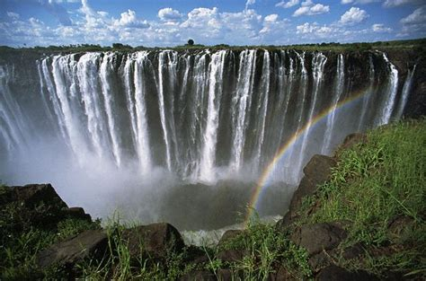famous waterfalls in the world the 5 biggest and best waterfalls around the world globetrottergirls