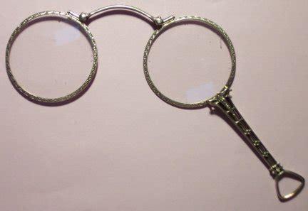 glasses invented