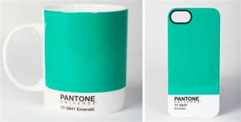 verde esmeralda    pantone de  casa vogue design