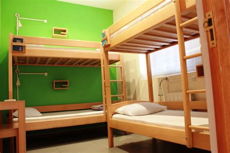 4 Person Bunk Bed Rooms Rates Envoy Hostel Yerevan Tbilisi Phnom Penh