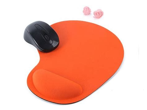 pad free ergonomic mouse pad with silicone padding free shipping