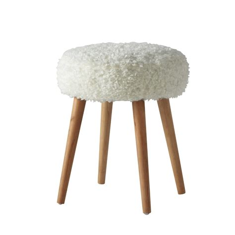 Cocoon Bed Linen - pin up faux fur and wood stool in white maisons du monde