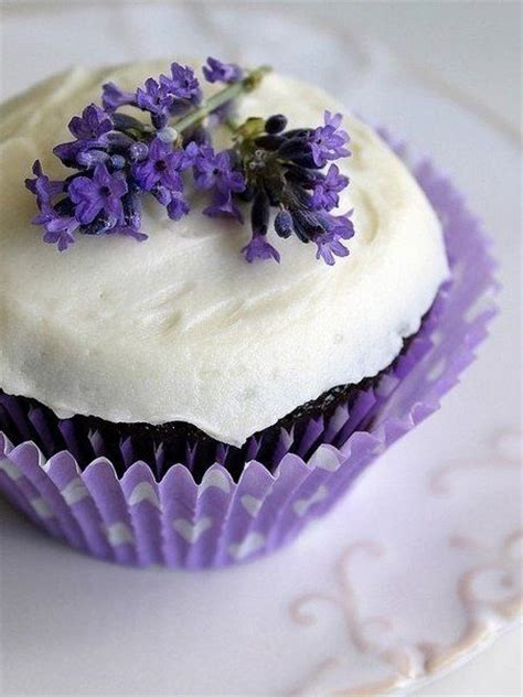 lavender cupcakes wedding decorations pinterest