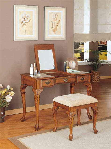 Bedroom Vanity Accessories by Vanity Bedroom On Antique Bedroom Vanity Sets Bedroom
