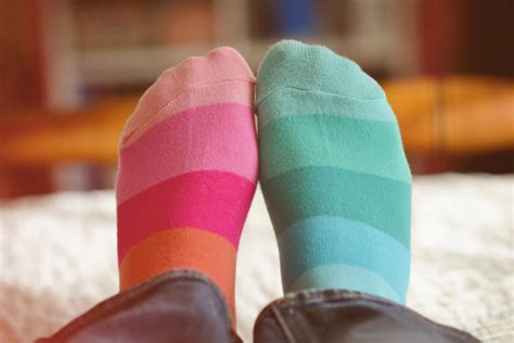 mismatched socks fashion 2016 mismatch your stuff on purpose with style better after 50