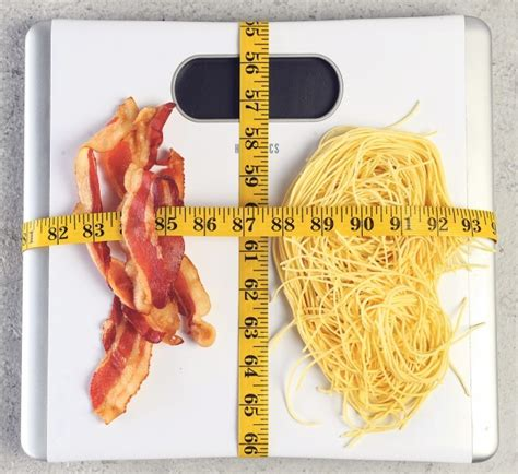 carbohydrates or fats cutting or cutting carbs which is better food and