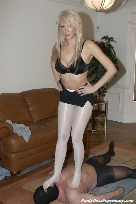 facesitting human couch mistress pantyhose domination