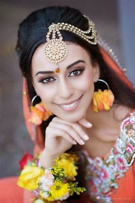 indian hairstyles with tikka maang tikka designs for the bride jewellery pinterest
