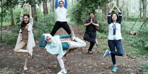 Gamis Qirani Fresh Diskon Qdf 26 unggah pose ini ria ricis dikritik pedas co id