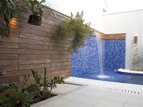 quintal piscina decorada decora 231 227 o e projetos fotos de cascatas decoradas para piscinas