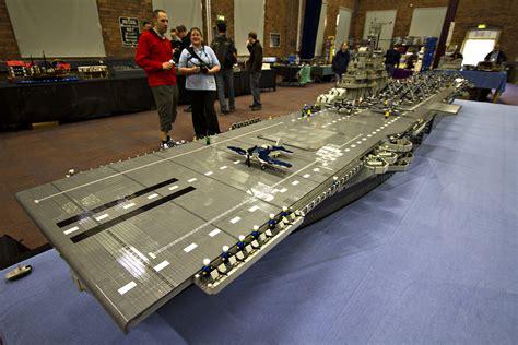 le porte avion en lego au monde souvent copi 233